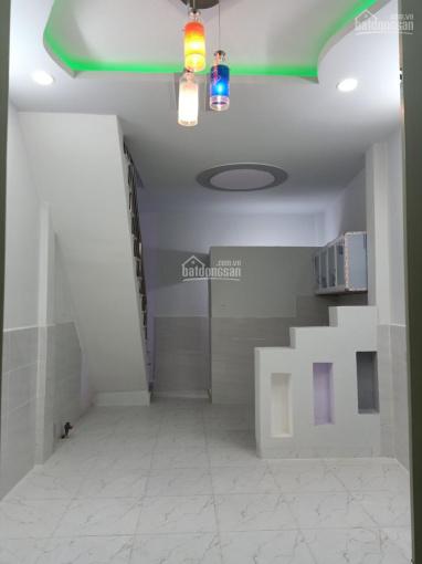 Bán nhà ngay chợ Hưng Long, DT 3.5*7m, 2 tấm, giá 390tr - 0839331665