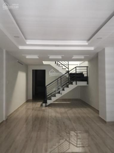 Cho thuê nhà mặt tiền Phạm Văn Hai đối diện chợ, DT 3x20m, 2 tầng, nhà mới, KD đa ngành nghề