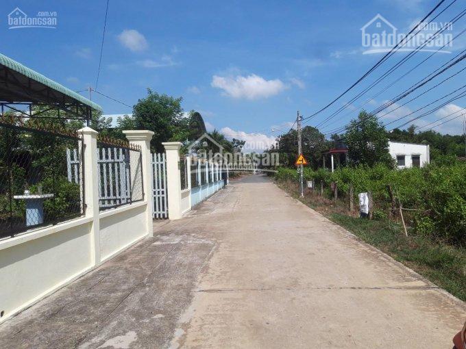 Bán lô đất diện tích 2100m2 có 900m2 thổ cư vị trí trước cổng chính Sân Bay Long Thành, 093468316