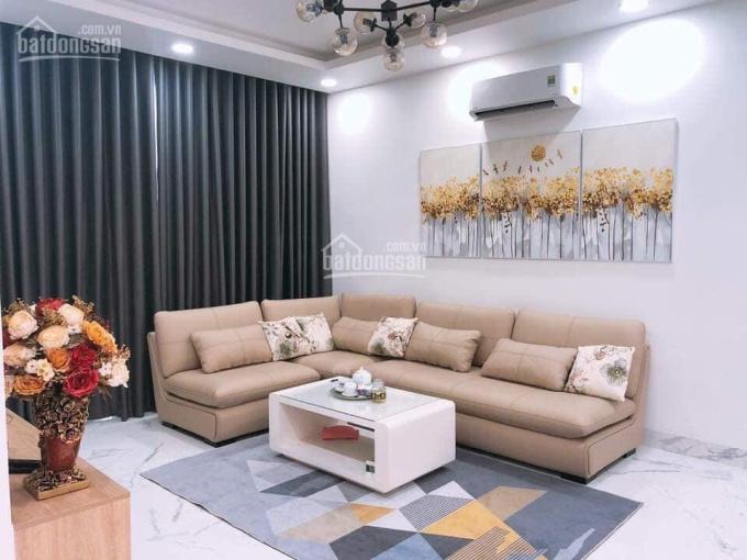 Bán nhà 3 lầu, giá 7,3 tỷ, đường Nguyễn Thị Định rẻ vào, quận 2. LH: 0936666466