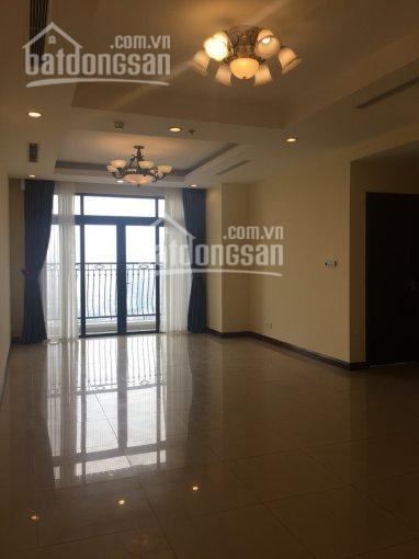 Bán căn hộ R2 - tầng 20 - 2PN - 110m2 sổ đỏ CC. Giá 3.9 tỷ LHTT: C. Quỳnh 0896651862