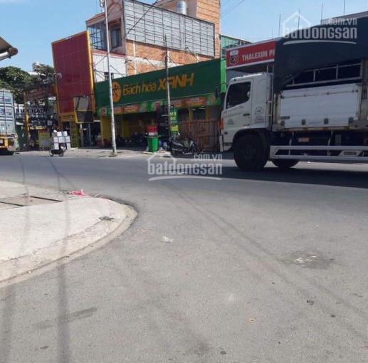 Cần nhà cấp 4 mặt tiền đường Nguyễn Du, đối diện chợ 434