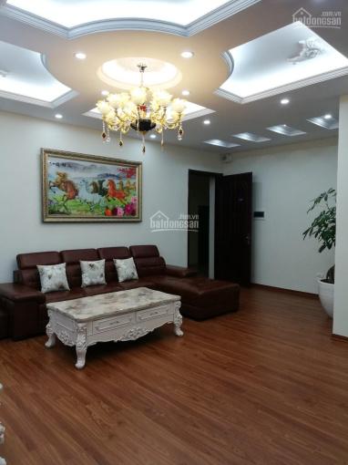 Bán căn hộ chung cư cao cấp nhà 18T1 khu đô thị Trung Hòa Nhân Chính, 116m2, 3PN