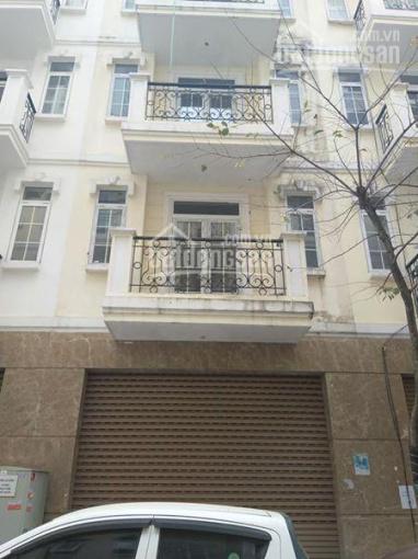 Chính chủ cần bán gấp nhà mặt phố Nguyễn Tuân, xây dựng 5 tầng kiên cố, mt 5m, sổ đỏ vuông vắn