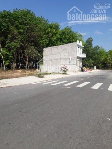 Chính chủ kẹt tiền bán gấp lô đất ngay UBND Phú Chánh ngay Vsip II, sổ riêng, chỉ 650tr - 100m2