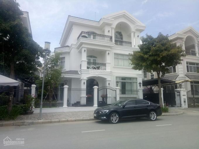 Cần cho thuê gấp biệt thự cao cấp Pmh,Q7 nhà đẹp, xinh lung linh, giá rẻ.LH: 0917300798 (Ms.Hằng)