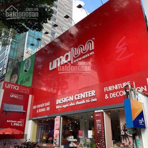 Cho thuê nhà 2 mặt tiền Nguyễn Đình Chiểu, P8, Q3 (20x40m) 2 lầu, giá 300 triệu/tháng