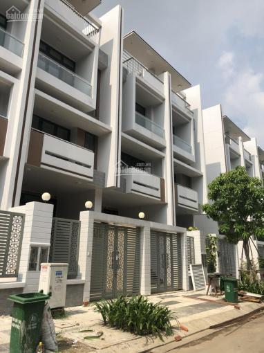 Chủ nhà không có tiền hoàn thiện bán gấp căn nhà thô KĐT Vạn Phúc giá 10.2 tỷ DT 5X20,5m