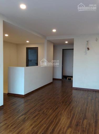 Cho thuê căn hộ tòa Homeland Thượng Thanh, Long Biên, S: 70m2, nội thất CĐT, gía 5tr5, 0966941313