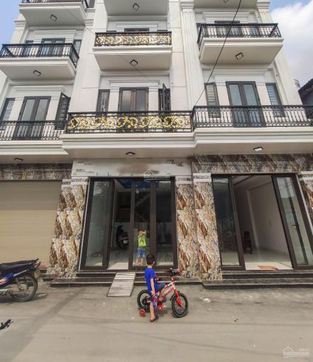 Chỉ 1.3 tỷ nhà mới, độc lập, 3 tầng, ngay gần mặt đường Đồng Hòa