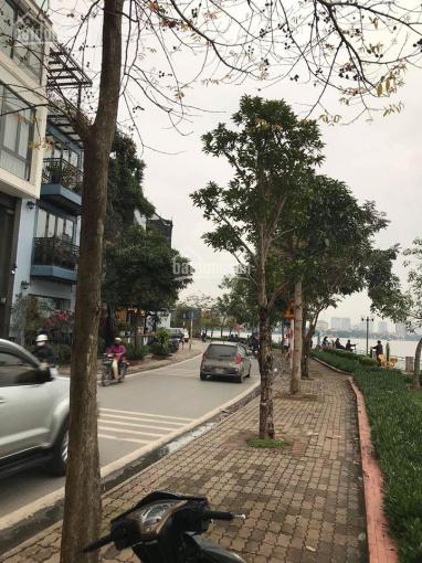 Bán nhà mặt phố Nguyễn Đình Thi, Q. Tây Hồ, DT 92m2, giá 55,2 tỷ