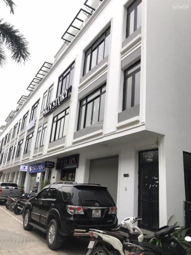 Cho thuê Shophouse Phố Hàm Nghi, diện tích 100m2 x 5 tầng, lô góc 2 mặt tiền, thang máy giá 55tr