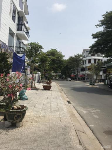 Bán đất làm 1 văn phòng 1 quán cà phê ở đô thị, (ODT) xây biệt thự ngay mặt tiền Đỗ Xuân Hợp, Q9