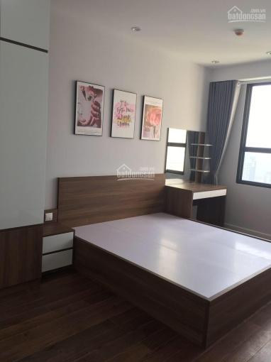 Cho thuê căn hộ tại Trần Duy Hưng, DT 73m2, hỗ trợ ngay cho khách thuê trong mùa dịch