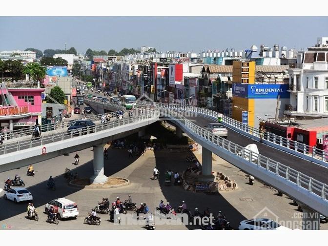 Tôi chính chủ kẹt vốn cần bán 3 căn nhà ngay tại góc đường Nguyễn Oanh và Lê Đức Thọ. LH 0947447026