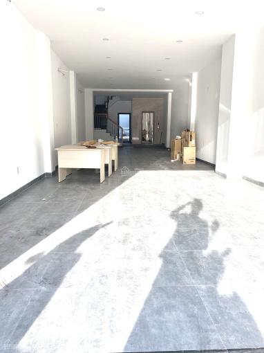 Cần cho thuê căn nhà đẹp có thang máy nằm trên đường Số 4 Hà Quang 2 Nha Trang với giá tốt nhất