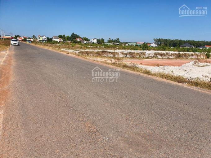 Bán đất mặt tiền DH507, 200m2, thổ cư 100m2, giá 550tr, SHR, đối diện TĐC Becamex. LH 0902756746
