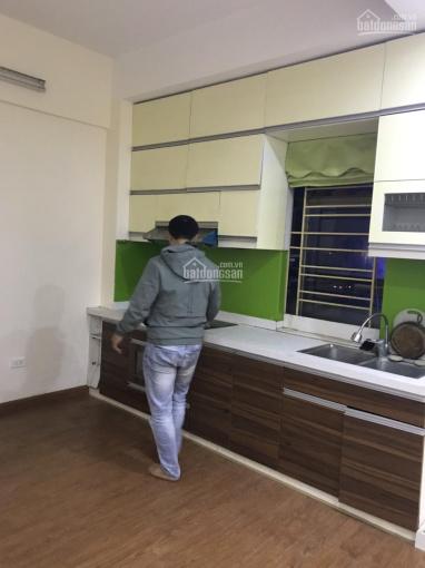 Cho thuê nhà chung cư tại khu đô thị Pháp Vân, giá 5 triệu/tháng. LH 0989554414