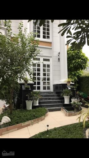 Biệt thự cho thuê P. Bình An, DT 6*18m, 2 lầu, 5 phòng, 4WC, gara, gần bờ sông, 42 tr/th 0901380809