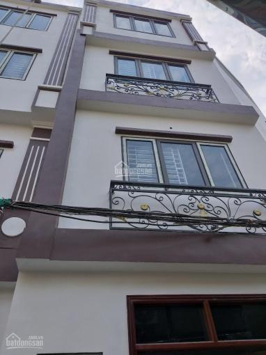 Chính chủ bán nhà tại La Khê, 4t, dt 33m2, giá 2,28 tỷ. Liên hệ 0985991699