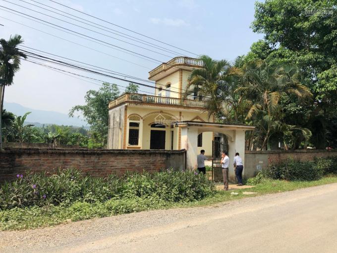 Bán nhà 2 tầng diện tích 819m2 mặt đường trục chính liên Xã Nhuận Trạch, Lương Sơn, Hòa Bình