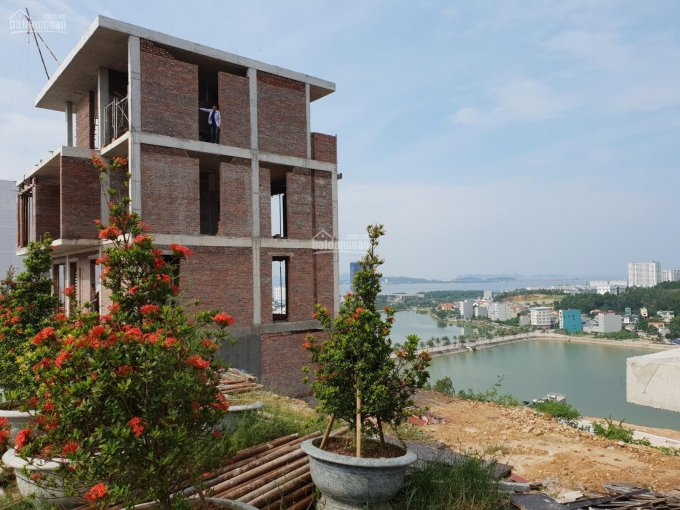 Tôi Xuân đang cần bán gấp căn biệt thự 4 tầng trung tâm Bãi Cháy, Hạ Long, LH 0945880866