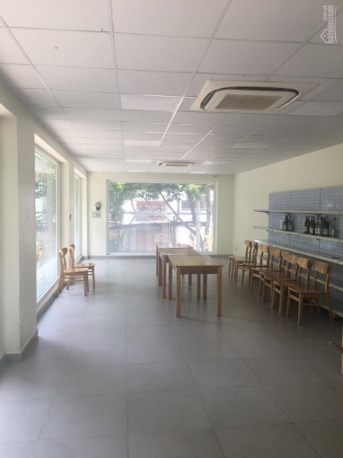 Cho thuê văn phòng 65m2 đường C18 Khu K300 P12 Tân Bình 0935035231