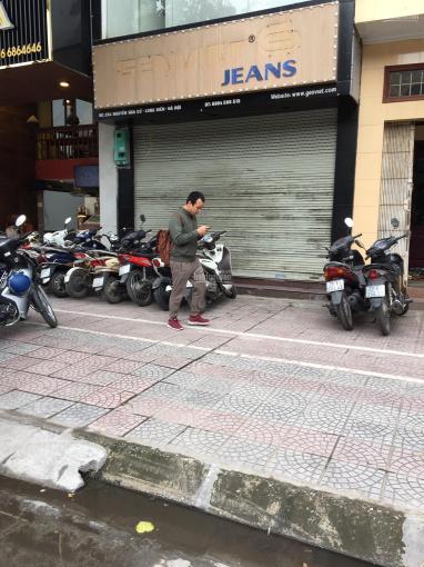 Cho thuê nhà mặt đường Nguyễn Văn Cừ, Long Biên HN 15tr/th