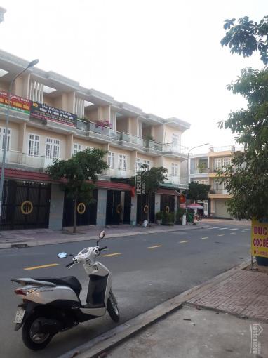 Bán đất TP. Dĩ An, khu dân cư Phú Mỹ Hiệp diện tích 60m2 đường 10m có vỉa hè 2 bên, giá 1.95 tỷ