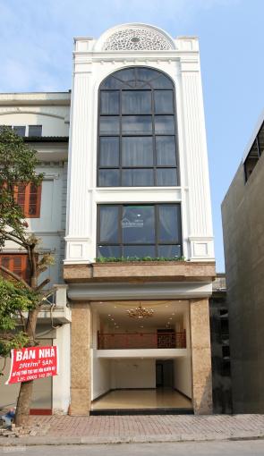Vỡ nợ dịp Covid bán nhà mặt phố đẹp 57m2 tại Chu Huy Mân, Long Biên, HN (Đường chính vào Vinhomes)