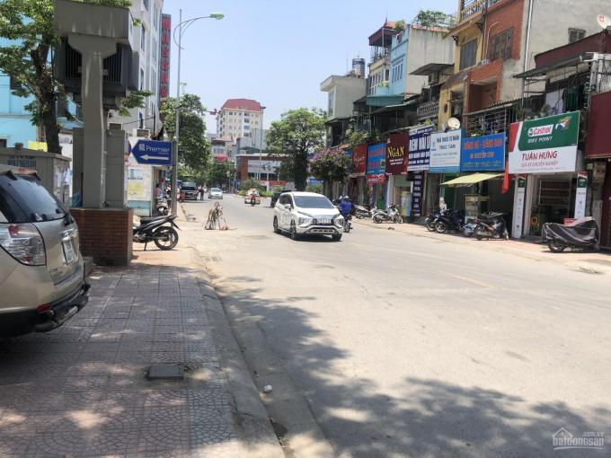 Cho thuê gấp căn hộ 4 tầng mặt phố Nguyễn Sơn - Long Biên, thuân tiện kinh doanh, LH: 0976332279