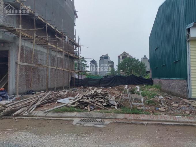 Bán đất đẹp TĐC Giang Biên, DT 56m2, MT 3,67m, hướng Tây Bắc, giá 3,98 tỷ