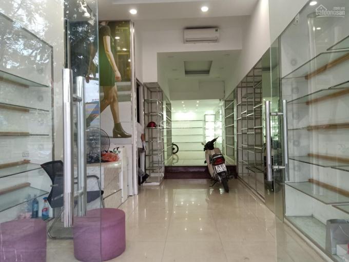 Chính chủ cho thuê mặt bằng kinh doanh ở Hoàng Ngân ngay đầu Lê Văn Lương. Liên hệ 0965836488
