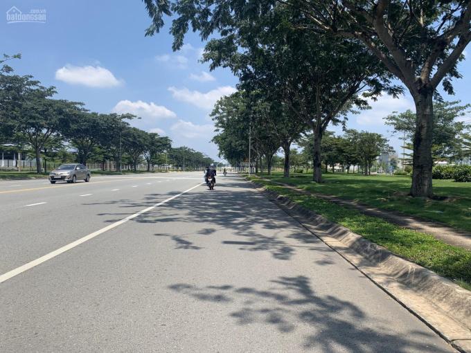 Bán 3 lô đất cực đẹp đường ĐT 742 gần chợ Phú Chánh, SHR. LH 0906980738