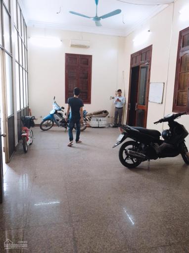 Cho thuê nhà Nguyễn Xiển 1 tầng riêng biệt 45m2, MT 10m thông sàn, lô góc, vỉa hè 2 bên ngõ xe tải