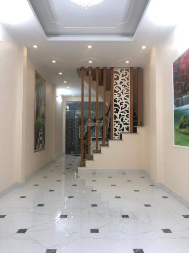 Cần bán gấp nhà tại ngõ 191 Minh Khai, HBT, ô tô đỗ cửa, KD tốt. Dt 45m2, 5t, 4.8 tỷ, 0913571773