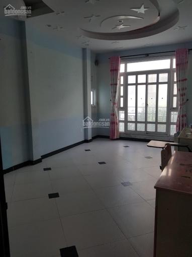 Cần bán gấp nhà / đường Nguyễn Thiện Thuật, Q3, DT: 3x10m, giá: 6 tỷ TL. 0909960710