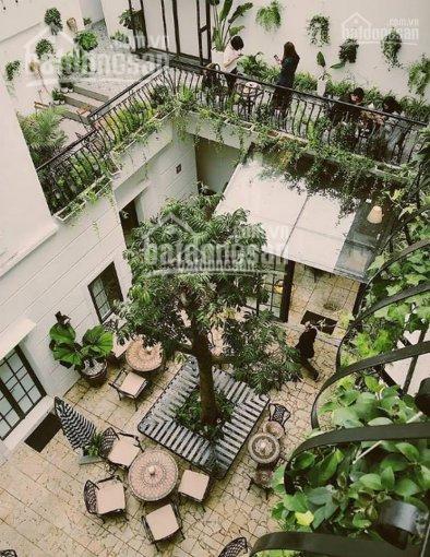 Cho thuê nhà mặt phố Hàng Chĩnh, Hoàn Kiếm nhà cực đẹp DT 115m2 MT 17m giá 80tr có TL LH 0928872222