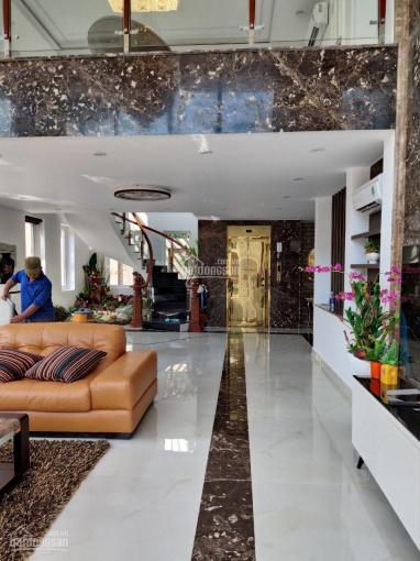 Cho thuê nhà góc 2 MT 326 Phan Đình Phùng diện tích: 4,3x17m, trệt 2 lầu giá thuê 65 triệu phí 1%