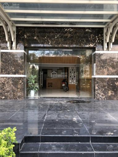 Cần bán shophouse đô thị Vạn Phúc đã vào nội thất, mặt tiền đường Nguyễn Thị Nhung, giá 17.6 tỷ