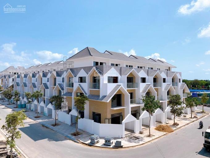 Nhà phố 1 trệt 2 lầu mặt tiền Nguyễn Văn Cừ, TP Bà Rịa giá từ 3,5 tỷ đến 5 tỷ/căn nhận nhà ở ngay ảnh 0