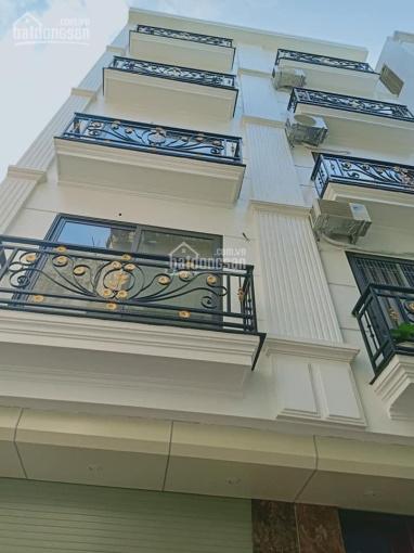 Mặt phố vip - Vỉa hè đá bóng - Sổ nở hậu  - kinh doanh hoặc cho thuê - Bán nhà MP Láng Hạ Ba Đình
