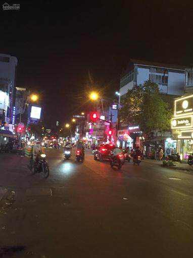 Cho thuê nguyên căn MT Võ Văn Tần gần Cao Thắng DT 4x18m, 1 trệt 3 lầu giá 40 tr/tháng