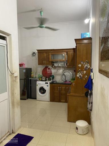 Cần tiền trả nợ bán nhà 3 tầng 36,8m2 giá 950tr, đầy đủ nội thất điều hòa, bàn bếp, tủ bếp