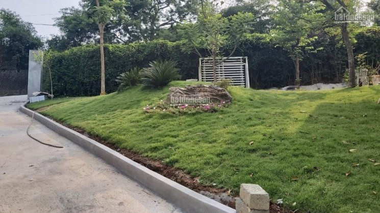Siêu phẩm biệt thự bám hồ 3300m2 ở Lương Sơn, giá xinh. LH 0948.035.862