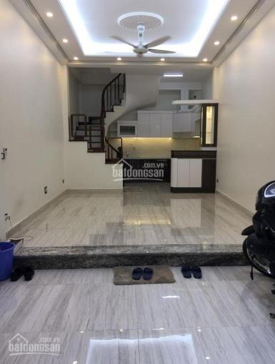 Bán nhà đẹp 38m2 * 5 tầng phố Văn Cao, ngõ rộng cách MP 30 mét giá 4 tỷ. LH 0961327527