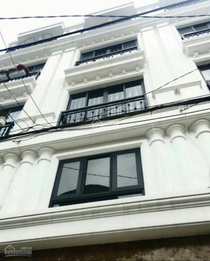 Cho thuê nhà mặt tiền 59 Nguyễn Cư Trinh, gần Trần Hưng Đạo Quận 1. Liên hệ: Chị Loan 0934083286
