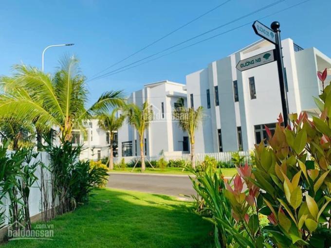 Bán gấp căn nhà phố 2 lầu giá rẻ MT TL10, liền kề KCN Tân Đức, KCN Tân Đô. 0797.099.909 Mr. Phú