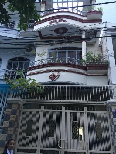 Cho thuê nhà nguyên căn đường ô tô đường Biệt Thự thông qua Nguyễn Thiện Thuật, KP Tây Nha Trang