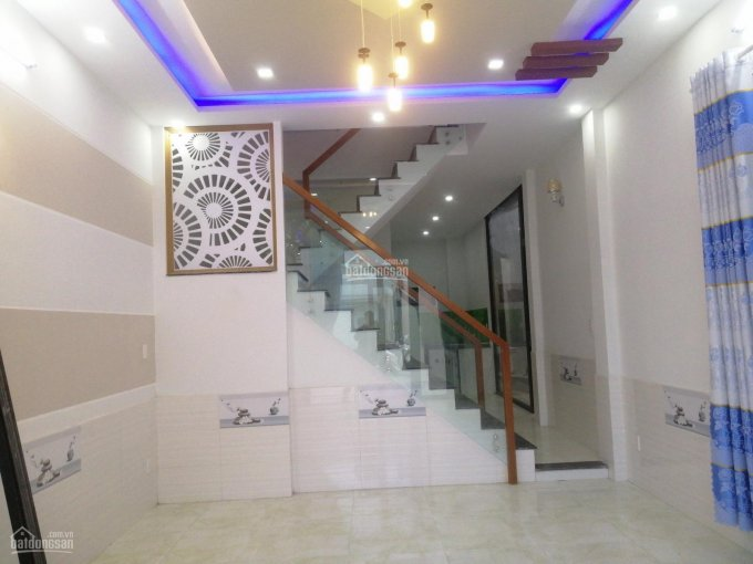 Nhà 2 mê kiệt 5,5m Hoàng Văn Thái, Hòa Khánh Nam, cách đường chính 20m
